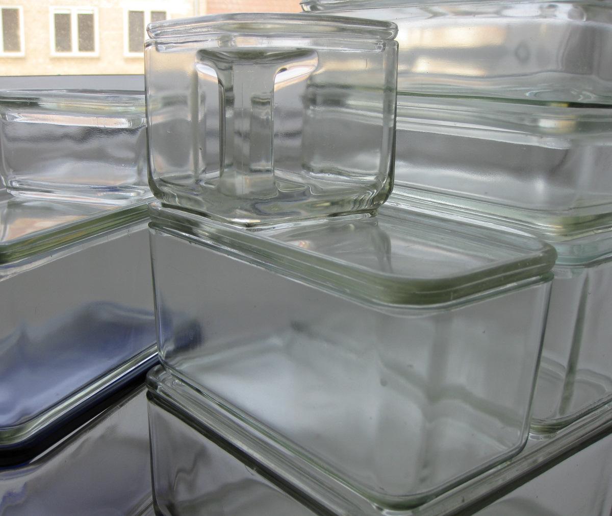 wilhelm wagenfeld formgav i 1938 nogle modul bokse i presset glas. Black Bedroom Furniture Sets. Home Design Ideas